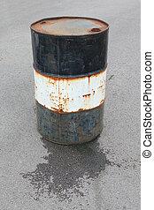 el escaparse, tambor de aceite