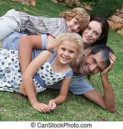 el gozar, familia , jardín, vida