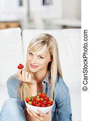 el gozar, fresas, mujer, tazón