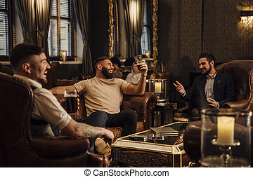 el gozar, hombres, bebidas