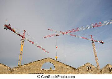 el, grúa construcción, y, el, edificio, contra, el, cielo azul
