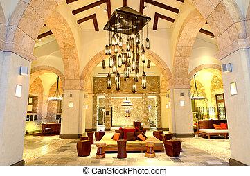 el, grande, araña de luces, en, vestíbulo, en, lujo, hotel,...