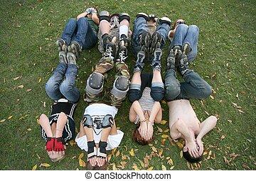 el, grupo, de, rodillos, en la hierba