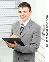 el, joven, hombre de negocios, en, oficina