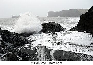 El mar en Dyrhólaey