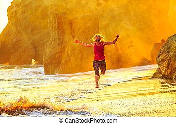 El Matador Beach running