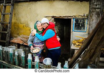 el, mujer joven, abrazos, el, viejo, woman.