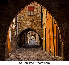 el, pintoresco, medieval, calle, de, ferrara, con, arcos