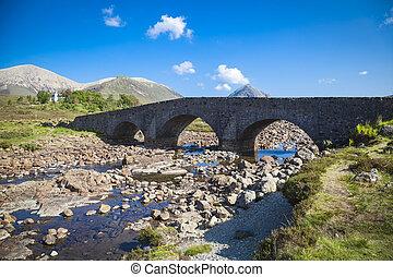 el, puente viejo, en, sligachan, en, el, isla de skye, escocia