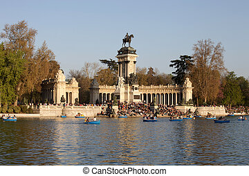 el retiro gardens - the beautiful el retiro parc in madrid,...