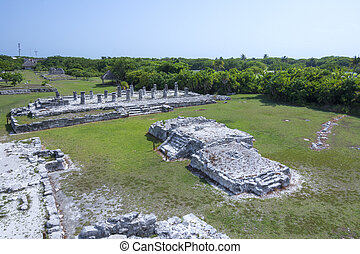 El Rey Maya ruins - Wide angle scenic landscape of Maya...