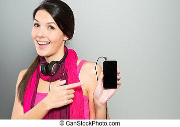 el señalar de la mujer, ella, teléfono móvil, elegante