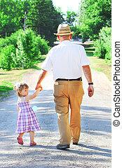 el suyo, camino, nieta, aduelo