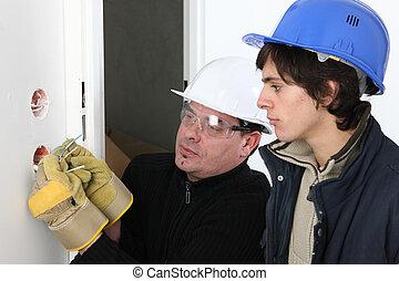 el suyo, electricista, aprendiz