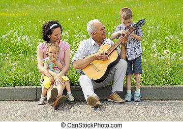 el suyo, hija, romántico, nietos, guitar., tres, aduelo, ...