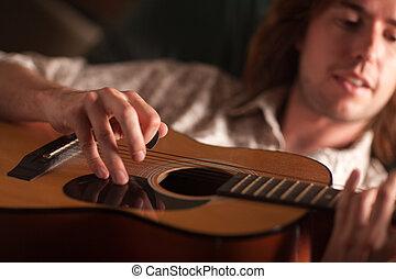 el suyo, juegos, g, músico, joven, acústico