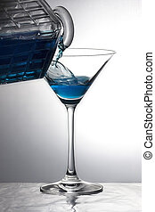 el verter, un, azul, bebida