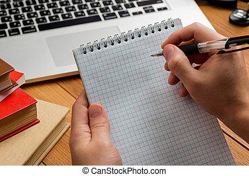 elaboración, estudiante, macho, notas, manos de valor en cartera, pen., bloc