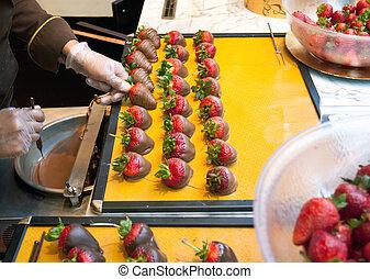 elaboración, fresas, mojado, chocolate