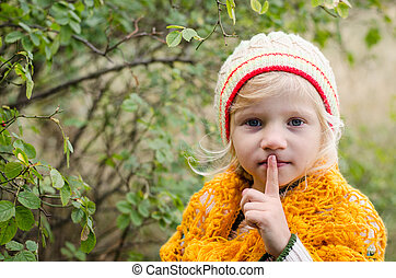 elaboración, niña, adorable, silencio, señal