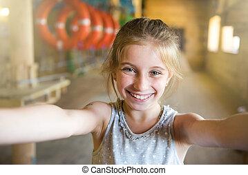 elaboración, poco, selfie, niña, alegre