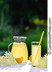 Elderflower juice with lemon