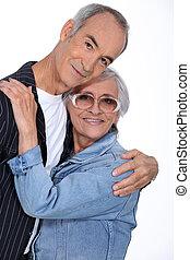 elderly kopplar ihop, krama