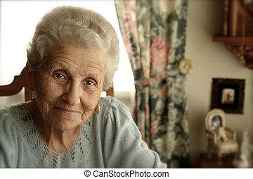 elderly kvinde, hos, lyse øjne