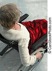 elderly kvinde, ind, en, wheelchair