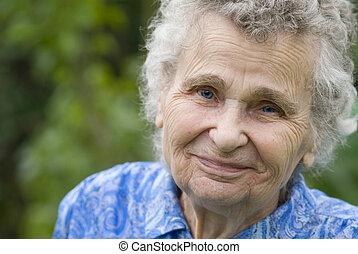 elderly kvinde