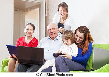 electrónico, amigos, grupo, dispositivos, feliz