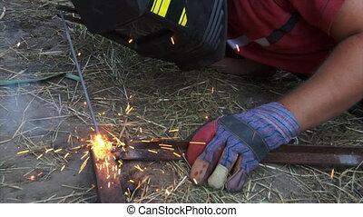 electric arc welding - the man make electric arc welding