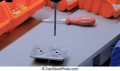 Electric socket handmade manufacturing process - Blind man...