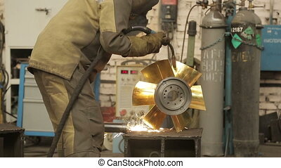 Electric welding for metal
