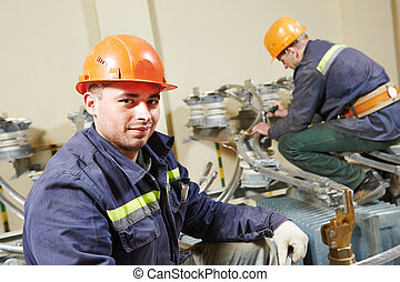 electricians workers