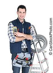 electricista, con, un, caja de herramientas