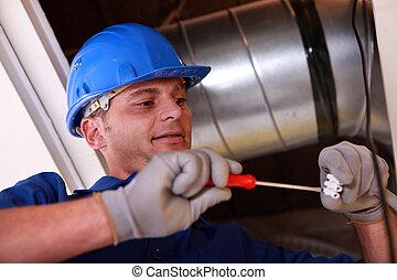 electricista, en el trabajo