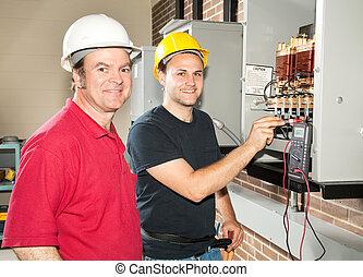 electricista, en, entrenamiento