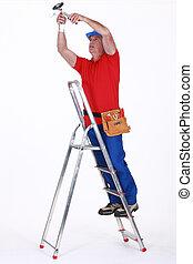 electricista, en, un, escalera