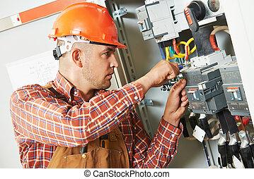 electricista, ingeniero, trabajador