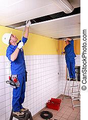electricistas, construcción, habitación, debajo