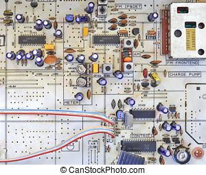 electronic circuitry in a hi fidelity radio