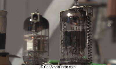 Electronic lamp