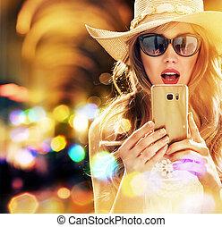 elegancki, kobieta, smartphone, piękny, używając