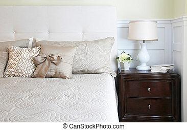 elegancki, pan, sypialnia