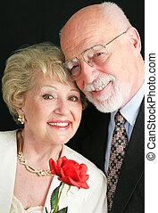 elegant, ältere paare, mit, rose