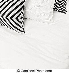 Elegant black and white bed linen