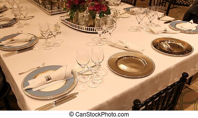 Elegant  dinner table setting 4