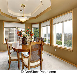 Elegant dinning room with many windows. - Elegant dinning...