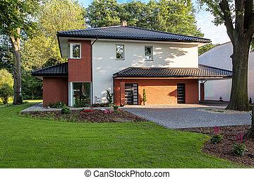 Elegant mansion - A stylish elegant mansion with a vast...